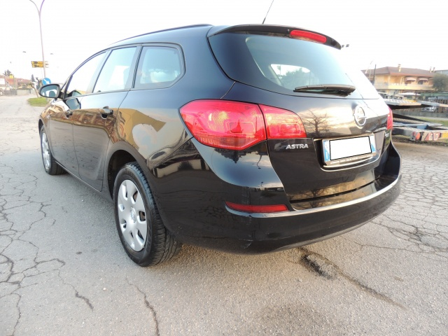 OPEL Astra 1.7 CDTI 110CV incredibile a 6000 euro !! Immagine 3