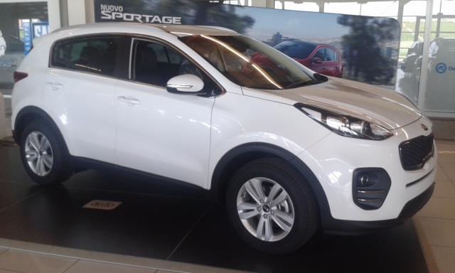 KIA Sportage 1.7 CRDI 115 COOL 2WD Immagine 1