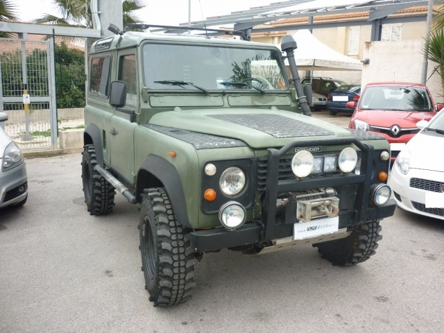 LAND ROVER Defender 90 2.5 Tdi Station Wagon County Immagine 1