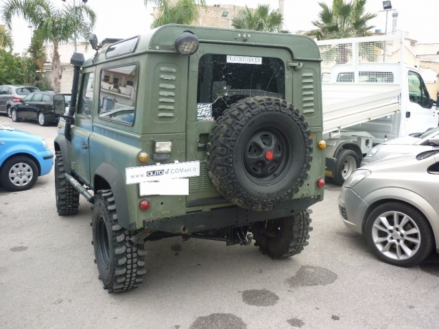 LAND ROVER Defender 90 2.5 Tdi Station Wagon County Immagine 3