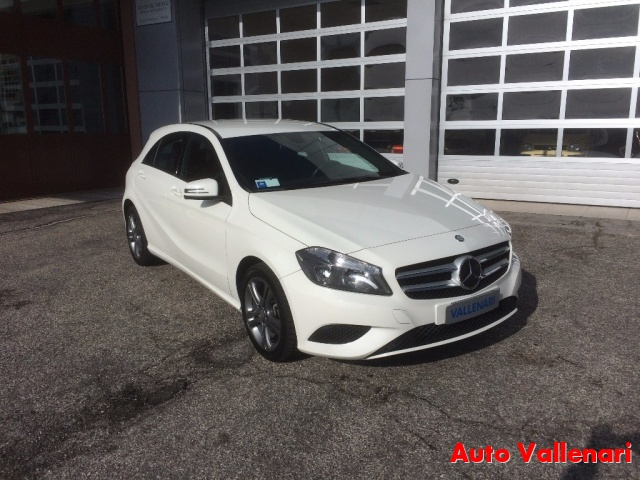 MERCEDES-BENZ A 200 CDI BlueEFFICIENCY Sport Immagine 1
