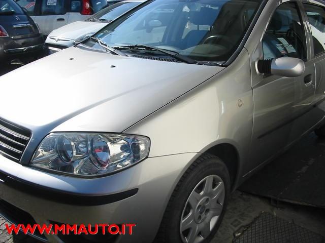 FIAT Punto 1.2 5 porte Dynamic  IMP-METANO!!!!!!! Immagine 2