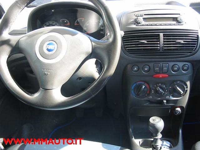 FIAT Punto 1.2 5 porte Dynamic  IMP-METANO!!!!!!! Immagine 4