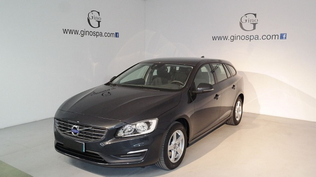 VOLVO V60 D2 1.6 Business Immagine 0