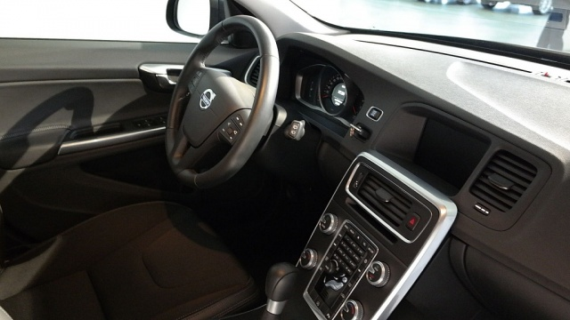 VOLVO V60 D2 1.6 Business Immagine 4