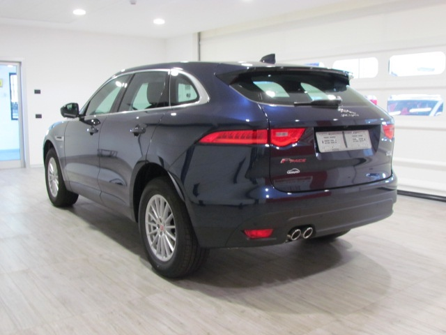 JAGUAR F-Pace 2.0d AWD PURE 180 CV AUTOMATICO MODEL YEARS 2016 Immagine 1