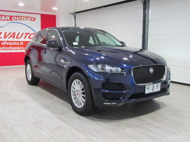 JAGUAR F-Pace 2.0d AWD PURE 180 CV AUTOMATICO MODEL YEARS 2016 Immagine 3
