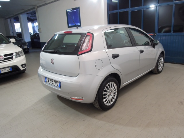 FIAT Punto 1.3 MJT II 75 CV 5 porte Street*OK NEOPATENTATI* Immagine 4