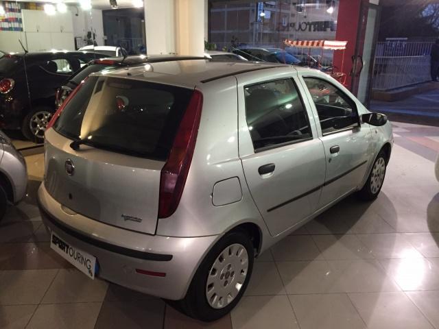 FIAT Punto 1.2 5P METANO OK NEOP DA ? 117,00 Immagine 4
