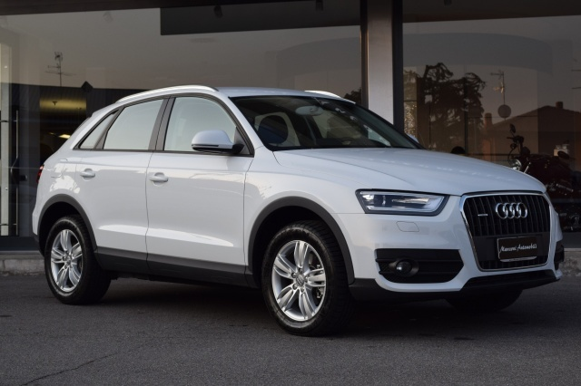 AUDI Q3 2.0 TDI quattro S tronic Advanced Plus Immagine 1