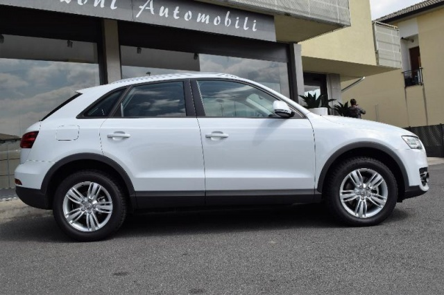 AUDI Q3 2.0 TDI quattro S tronic Advanced Plus Immagine 2