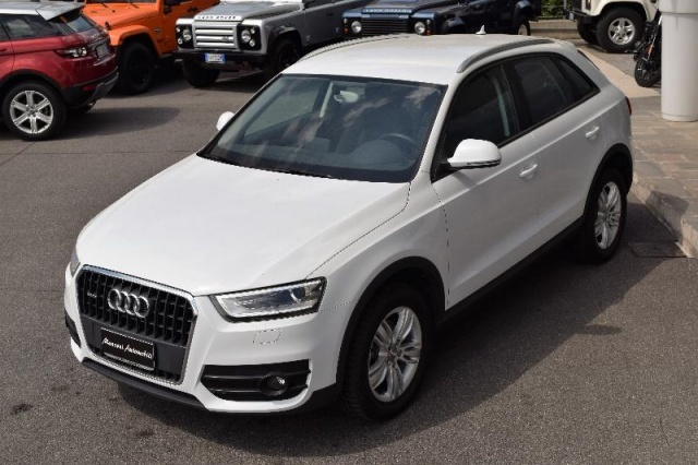AUDI Q3 2.0 TDI quattro S tronic Advanced Plus Immagine 3