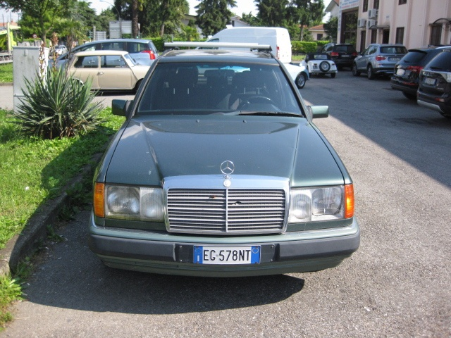 MERCEDES-BENZ 250 TD diesel Cat Station Wagon CONSERVATO ISCR. ASI Immagine 1