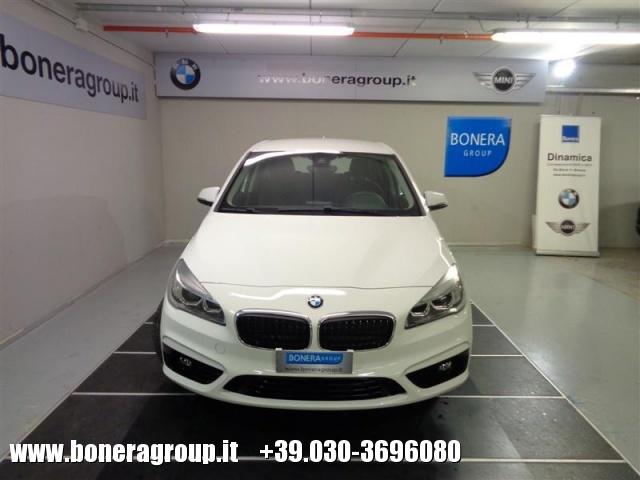 BMW 218 d Active Tourer Sport Immagine 1