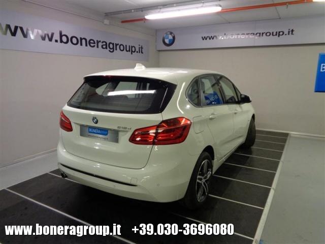 BMW 218 d Active Tourer Sport Immagine 3