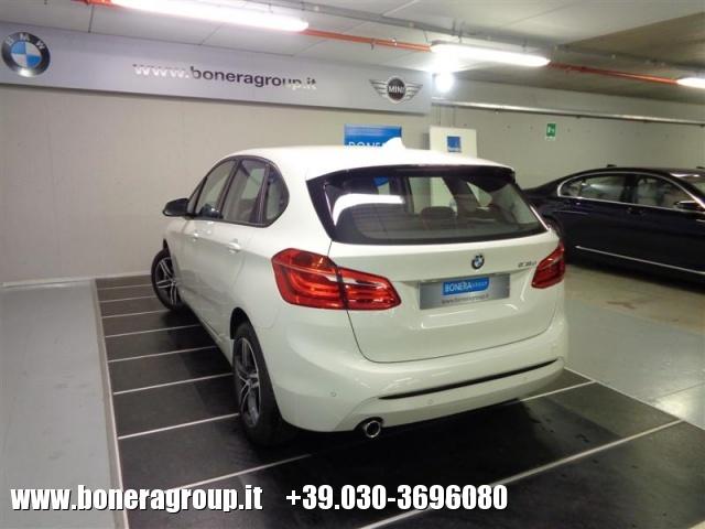 BMW 218 d Active Tourer Sport Immagine 4