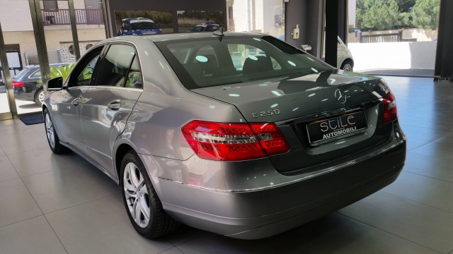 MERCEDES-BENZ E 250 CDI BlueEFFICIENCY Avantgarde SOLO 17000 KM Immagine 4