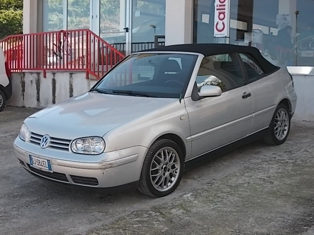 VOLKSWAGEN Golf Cabriolet 1.6/101 CV cat 3p. Highline Immagine 0