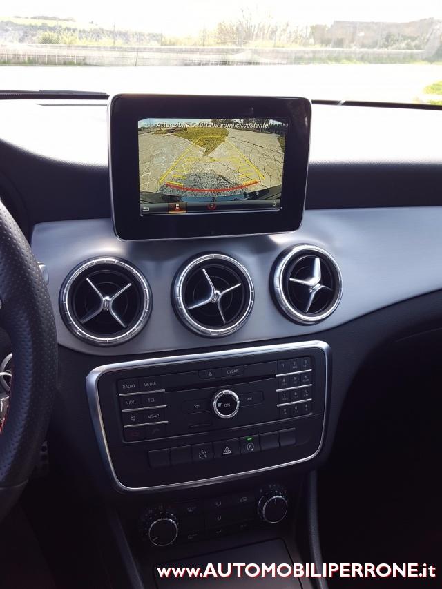 MERCEDES-BENZ CLA 180 d Automatic Premium AMG Immagine 4