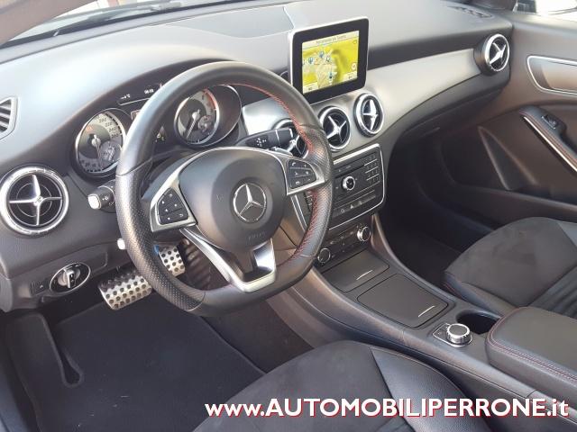MERCEDES-BENZ CLA 180 d Automatic Premium AMG Immagine 3