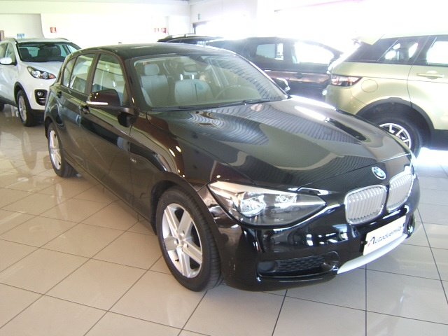 BMW 116 i 5p. Urban GARANZIA TOTALE 12 MESI Immagine 1