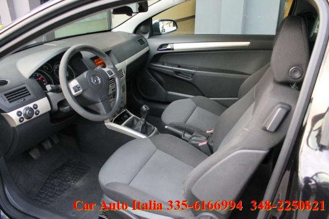 OPEL Astra GTC 1.4 16V Twinport 3 porte Enjoy UNICO PROPRIETA Immagine 2