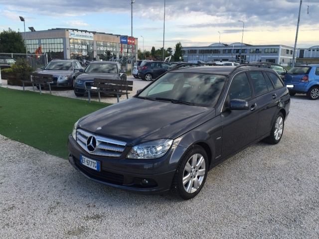 MERCEDES-BENZ C 200 CDI S.W. BlueEFFICIENCY Executive Immagine 0