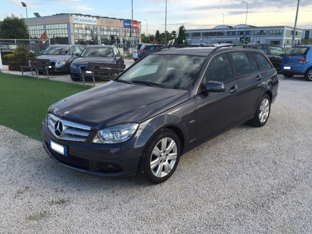 MERCEDES-BENZ C 200 CDI S.W. BlueEFFICIENCY Executive Immagine 1