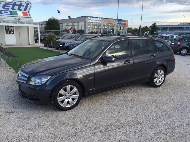 MERCEDES-BENZ C 200 CDI S.W. BlueEFFICIENCY Executive Immagine 2