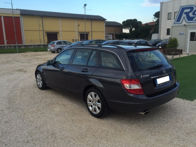 MERCEDES-BENZ C 200 CDI S.W. BlueEFFICIENCY Executive Immagine 4
