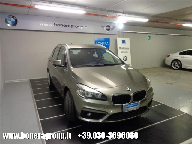 BMW 218 d Active Tourer Advantage Immagine 2