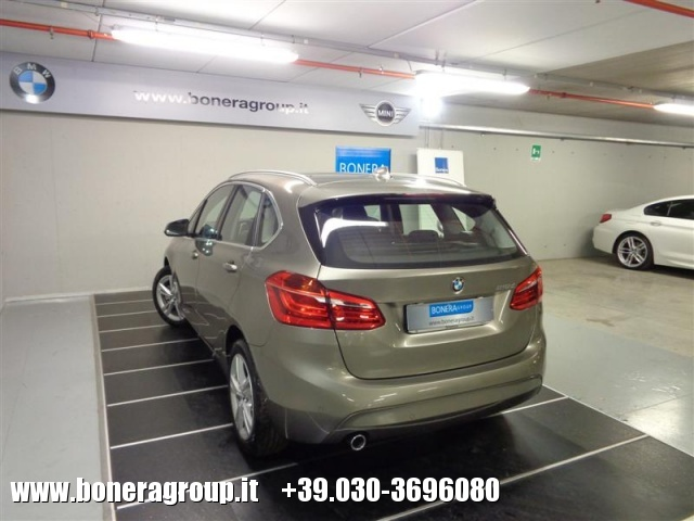 BMW 218 d Active Tourer Advantage Immagine 4