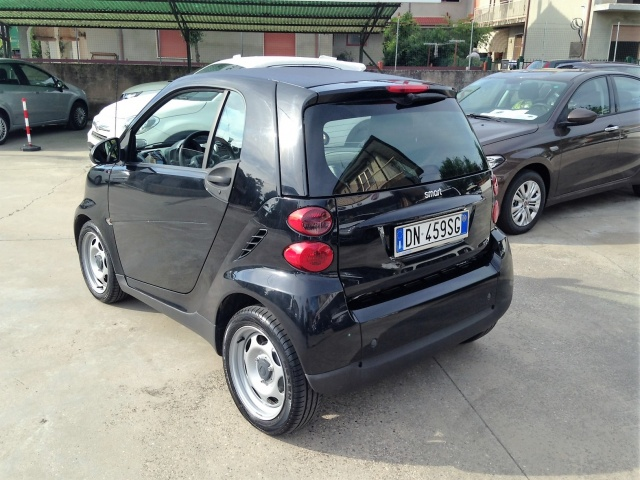 SMART ForTwo 1000 45 kW coupé pure Immagine 2