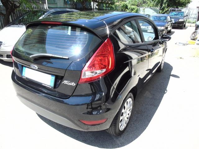 FORD Fiesta 1.2 82 CV 3 porte POCHI KM Immagine 3