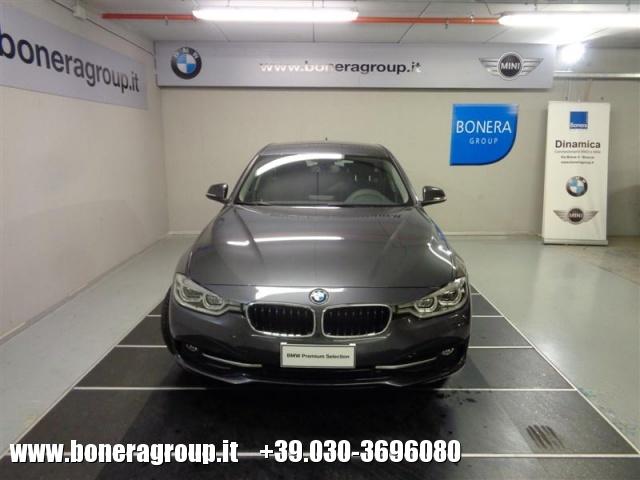 BMW 320 d xDrive Touring Sport - DOPPIO TRENO GOMME Immagine 2