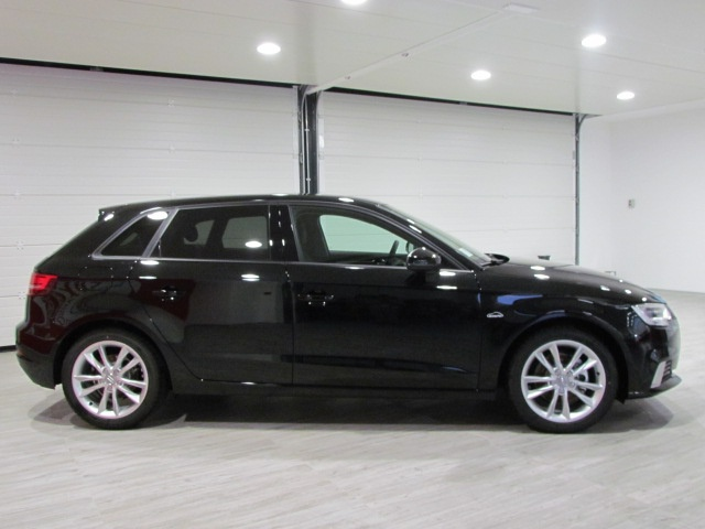 AUDI A3 NEW SPBK 1.6 TDI S-TRONIC BUSINESS 110CV MY' 17 Immagine 3