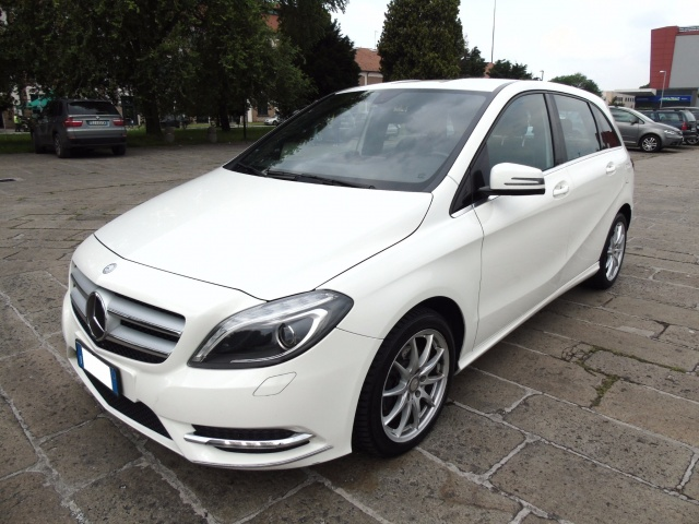 MERCEDES-BENZ B 200 CDI 136 CV PREMIUM BlueEFFICIENCY Immagine 0