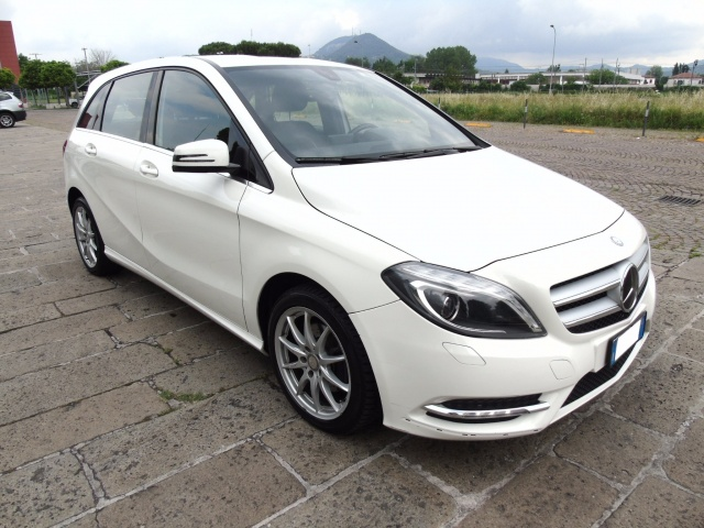 MERCEDES-BENZ B 200 CDI 136 CV PREMIUM BlueEFFICIENCY Immagine 2