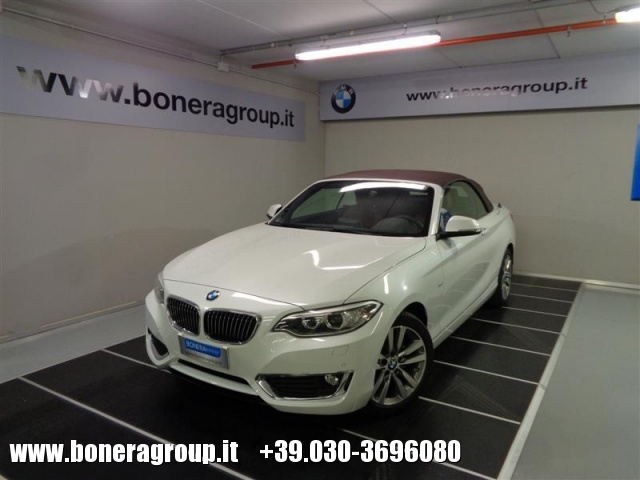 BMW 218 d Cabrio Luxury Immagine 0