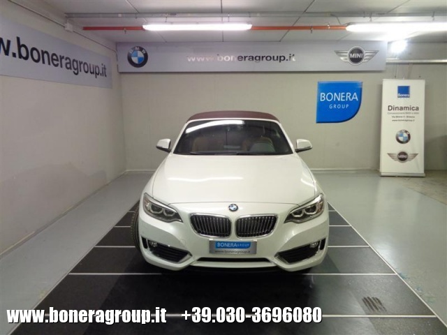 BMW 218 d Cabrio Luxury Immagine 1