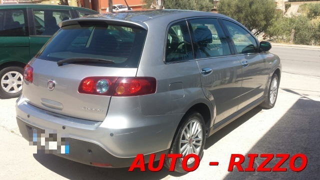 FIAT Croma 1.9 Multijet Emotion Immagine 1