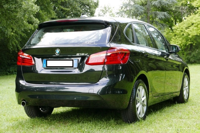 BMW 218 d Active Tourer Immagine 4