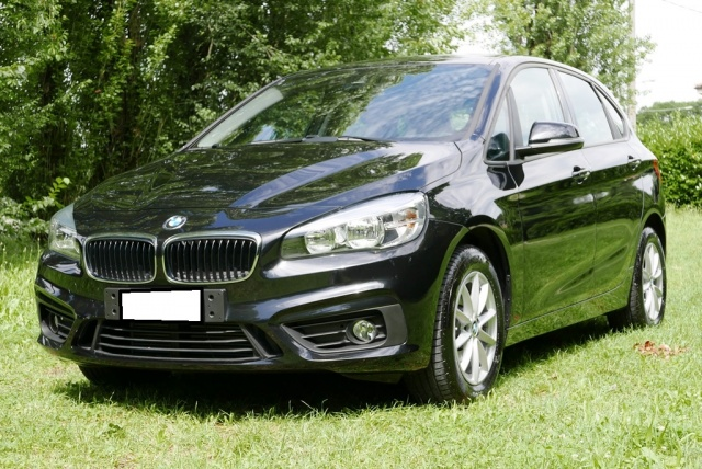BMW 218 d Active Tourer Immagine 0