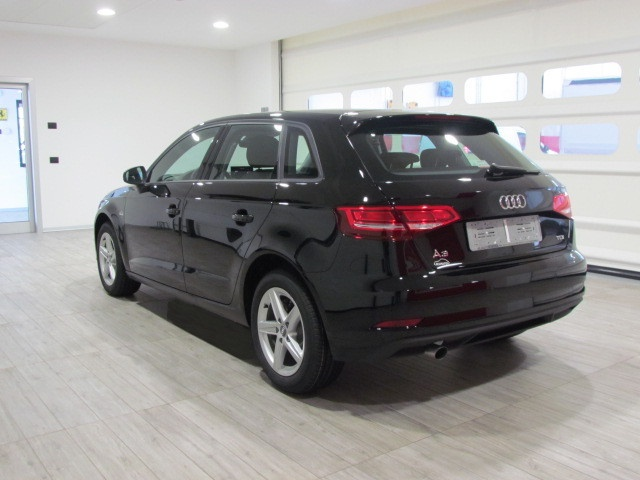 AUDI A3 NEW SPBK 1.6 TDI 116CV  MY' 18 Immagine 3