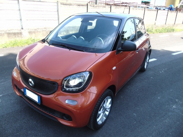 SMART ForFour 70 1.0 youngster  OK NEOPATENTATI Immagine 0