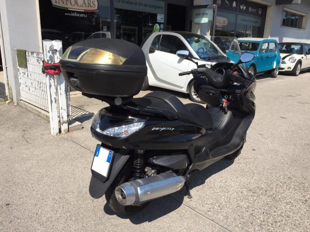 MOTOS-BIKES Yamaha MAJESTY 400 TAGLIANDATO Immagine 1