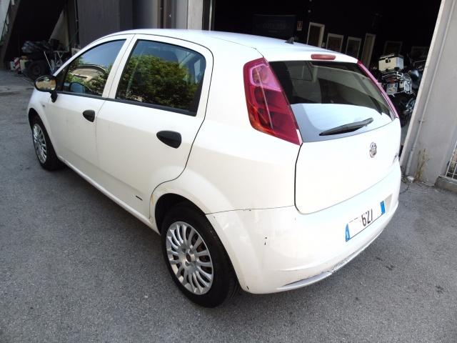 FIAT Grande Punto 1.3 MULTIJET 75 CV 5 porte OK NEOPATENTATI Immagine 3