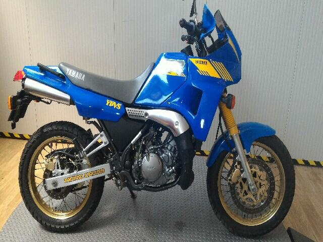 YAMAHA TDR 250 Blue metallized