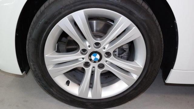 BMW 320 d Touring Sport Immagine 3