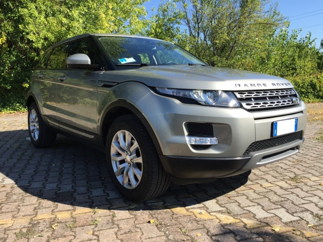 LAND ROVER Range Rover Evoque 2.2 TD4 150 CV MANUALE Pochissimi km Immagine 4